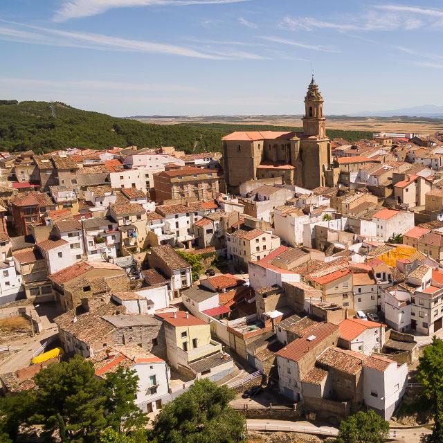 https://www.atrapaelnorte.com/wp-content/uploads/2020/07/005-pueblos-local-en-el-norte-de-espana-turismo-por-navarra-euskadi-la-rioja-y-aquita.jpg