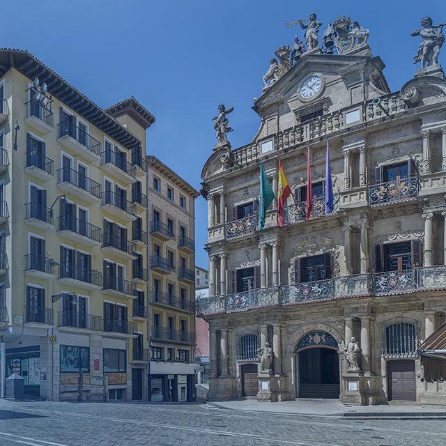 https://www.atrapaelnorte.com/wp-content/uploads/2020/08/001-pamplona-atrapa-el-norte-visita-el-norte-de-espana-expertos-en-planes-y-actividades-de-turismo-en-navarra-640x640.jpg