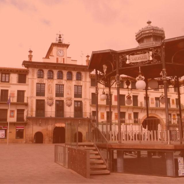 https://www.atrapaelnorte.com/wp-content/uploads/2021/02/001-pamplona-atrapa-el-norte-visita-el-norte-de-espana-expertos-en-planes-y-actividades-de-turismo-en-navarra-640x640.jpg